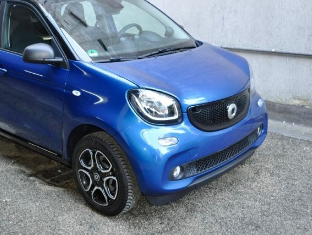 SMART FORFOUR BLU/NERA PASSION T.064